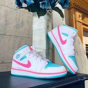 "Air Jordan 1 Mid GS ""Digital Pink"""